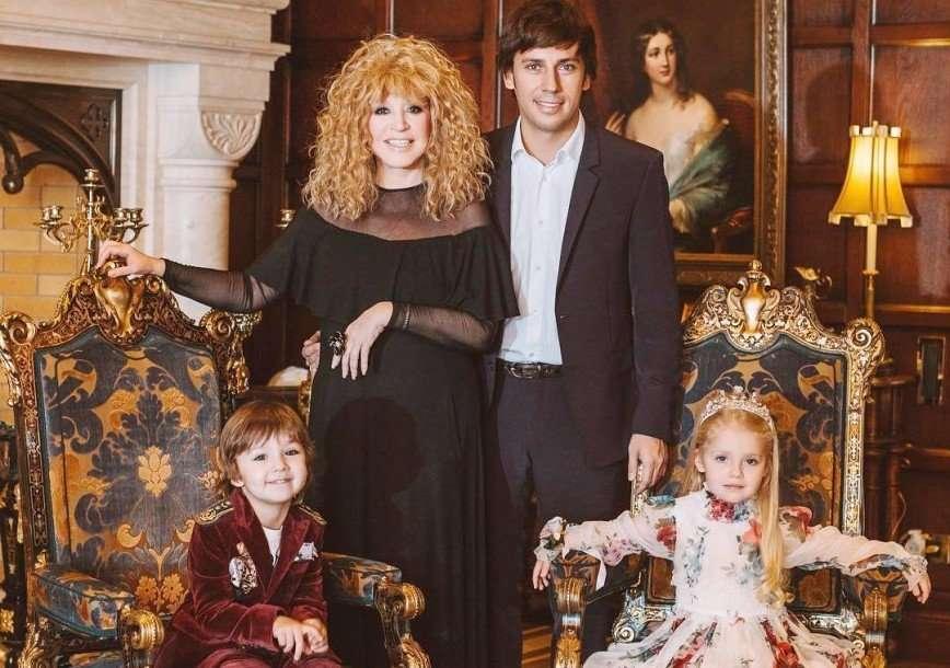 Как быстротечно время: Максим Галкин показал первые шаги своих детей