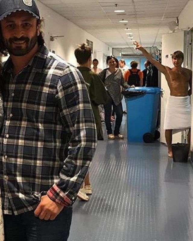 Ягудин поздравил Авербуха с днем рождения фотографией в одном полотенце