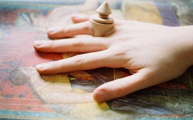 Драгоценные кольца из дерева