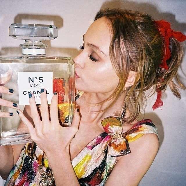 Дочь Джонни Деппа стала лицом аромата Chanel