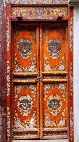 Красивые и необычные двери