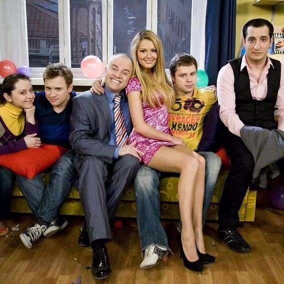 Настасья Самбурская, Анна Хилькевич, Виталий Гогунский и другие звезды приняли участие во флешмобе
