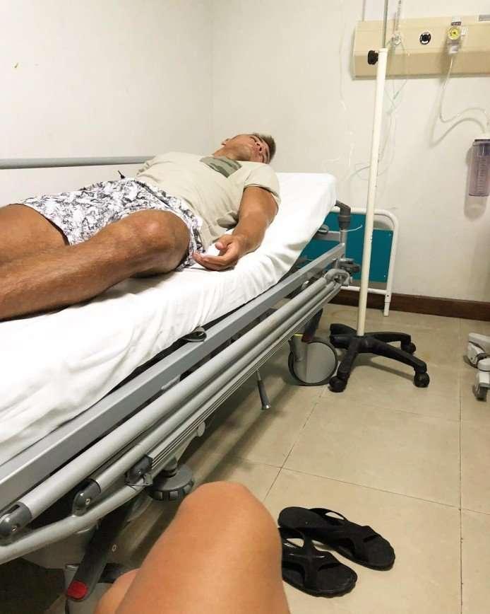 «Надеюсь, мне помогут»: участник «Дома-2» госпитализирован из-за укуса насекомого